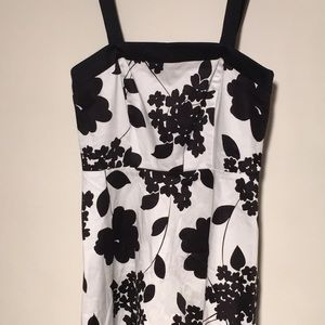 Dresses & Skirts - Black & white floral dress, petite 6